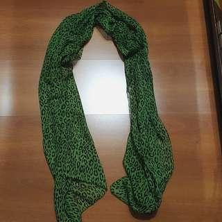 Syal loreng hijau