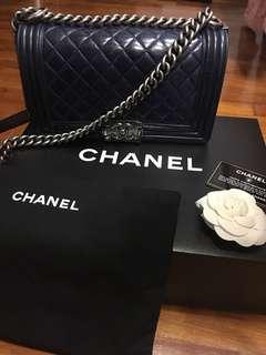 Chanel Boy ( Old Medium )