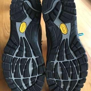 Scarpa r-evolution hiking boots (38.5)