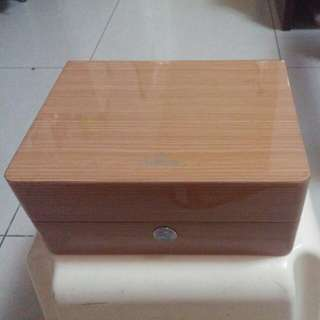Omega 亞米茄 橡木錶盒