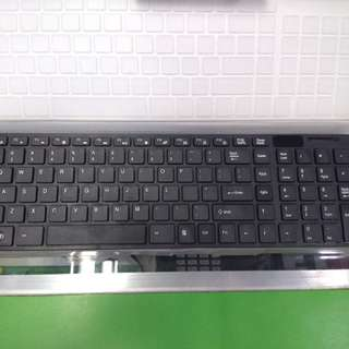 Wireless keyboard-mouse combo
