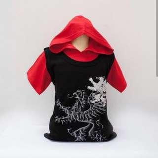 Atasan naga hitam topi