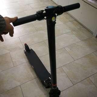電動滑板車