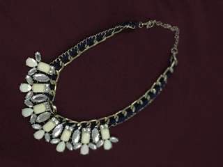 Women's necklace // Very good condition