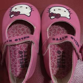 Hello Kitty Shoes 6-12 months