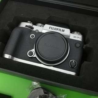 Fujifilm XT1 body graphite silver edition