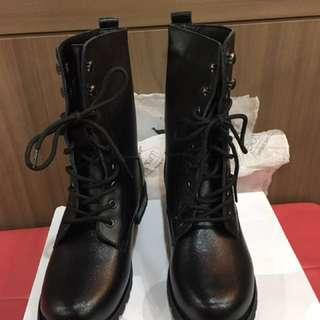 Mizzue黑筒靴英倫綁