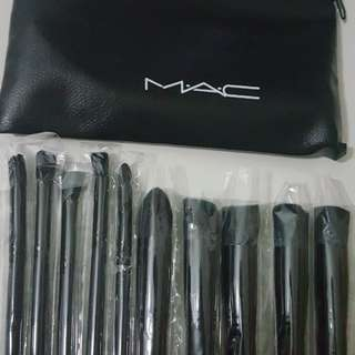 SET OF kabuki MAC 99% inpired BRUSHES WITH PORCH soft n hair not loss in anytime