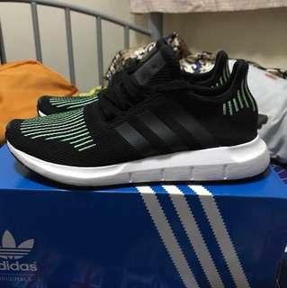 [USED] Adidas Swift Run
