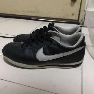 [USED] Nike Cortez