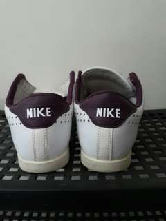 REPRICED! Authentic Nike White Shoes Size 7