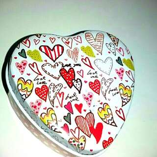 cute heart metal box