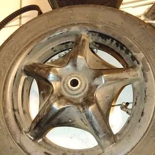 🚚 勁戰一代後輪框 不付輪胎注意