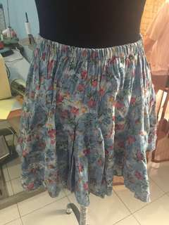 Rok jeans bunga
