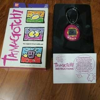IN EXCELLENT CONDITION! 1996-97 Original Bandai Virtual Pet English Version Tamagotchi