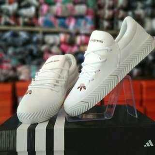 Sepatu Sneakers Cewek Adidas White Clean Import