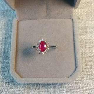 👑925 Silver Pⅰnk Ruby Ring👑天然緬甸桃紅色紅寳石戴妃款純銀鍍18K白金戒指🌠主石4x6mm顏色超美精工鑲嵌開囗圈
