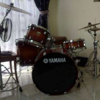 Yamaha Tour Custom 4 Piece Drum Set