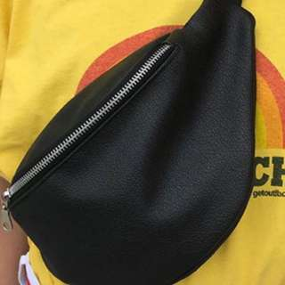 black fanny pack bahan kulit