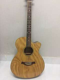 Acoustic guitar Piramid