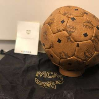 MCM 真皮紀念足球