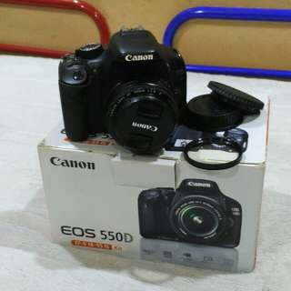 Eos 550 with 50 mm 1.8 len.