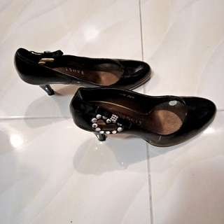 Misope (Korean brand) black heels size 6.5