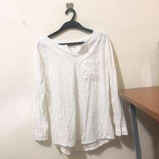 白色棉麻上衣