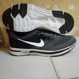 Sepatu pria wanita