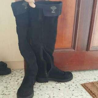 URGENT WTS) H&M Knee-high Boots Side Zip