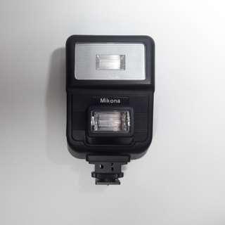 Electronic Twin Flash Mikona untuk kamera analog