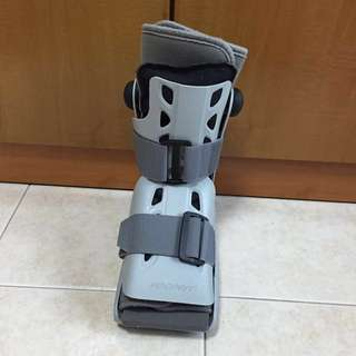 Right foot Air Cast