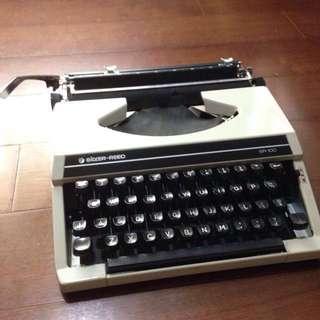 Silver Reed 打字機 SR100