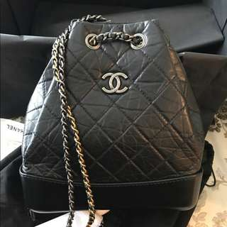 米蘭直送  HOT! 2018 Chanel Black Gabrielle Backpack 黑色小牛皮 流浪包 背包