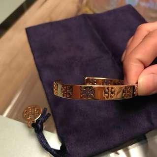 Tory Burch gold logo bracelet / bangle 手鈪