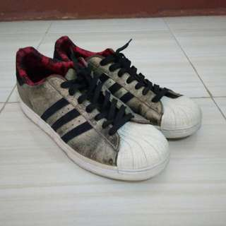 Adidas superstar years of the horse size 44 2/3