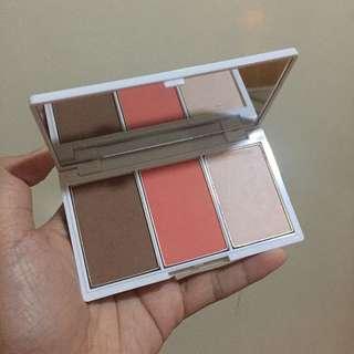 Celeteque Blush and Face Contour Kit (Shade: Peach)