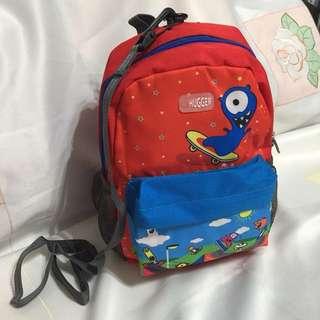 💯 新Hugger兒童背囊🎒Kid's backpack