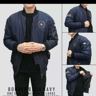Jaket bomber pria