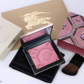 BNIB BURBERRY SILK AND BLOOM BLUSH PALETTE AUTHENTIC RRP94