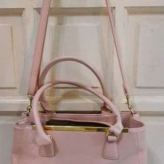 Pink Ladies Handbag with Sling