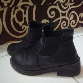 Korean Chelsea Boots