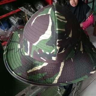Topi rimba daun lebar berkualitas