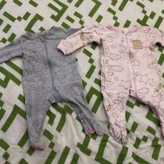 2 X baby girl onesies size 000