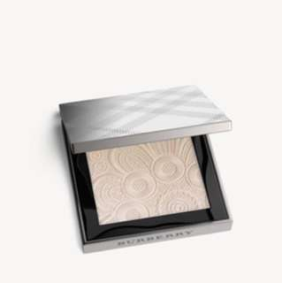 BN BURBERRY FRESH GLOW HIGHTLIGHTER - NUDE GOLD 02 RRP94