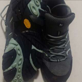 MERRELL HIKING BOOT SHOES