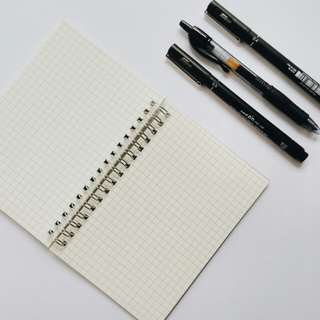 PLAIN  SPRING NOTEBOOK IN 2 SIZES