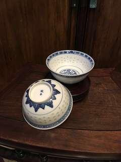舊「玩玉」青花米通四寸半碗一對