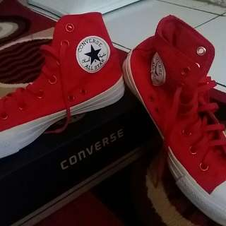 Converse size 38