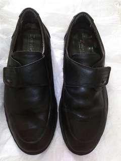 Sepatu kulit pantofel Zeintin